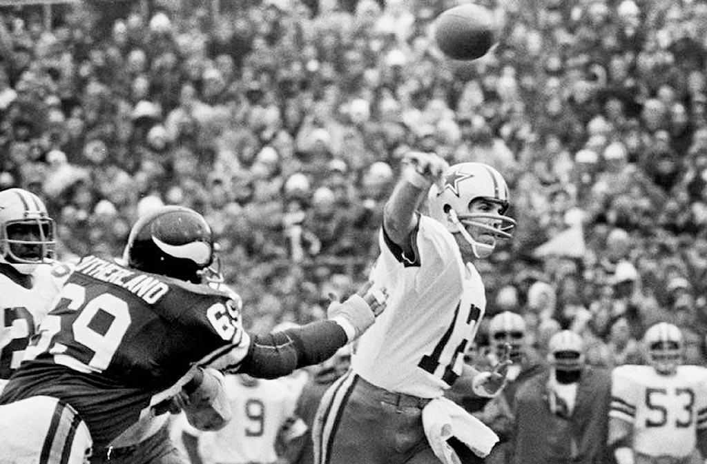 Classic NFL Games — The Hail Mary Game — First Half